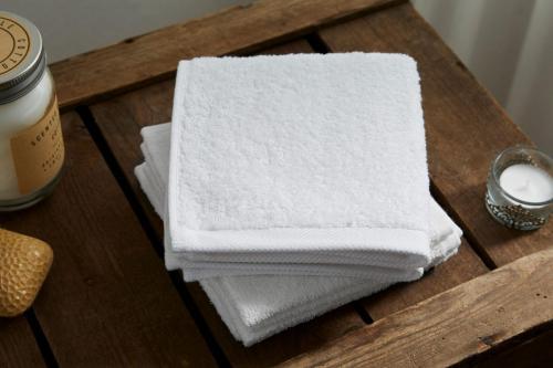 Seiflappen WELLINGTON100% GOTS Baumwolleca. 450 g/qm - weiß